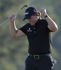 Phil Mickelson Wins the 2010 Masters by 3 Strokes Over Lee Westwood